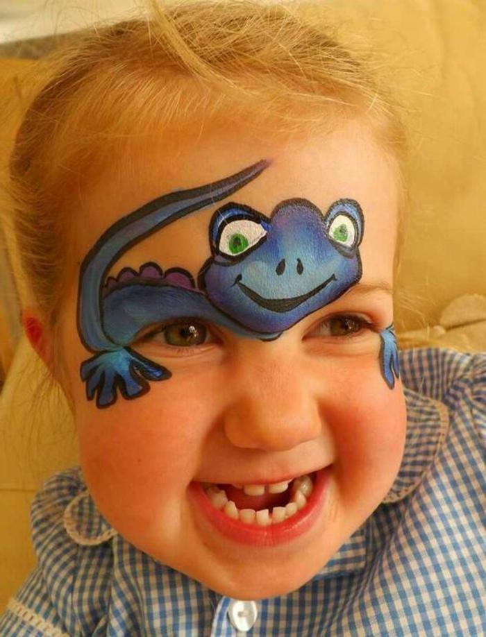 maquillage carnaval, fille mignonne avec face painting amusant, maquillage dinosaure