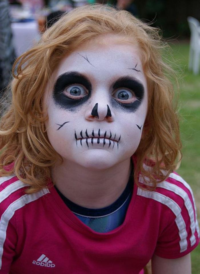 maquillage carnaval, maquillage pirate et tête de mort, maquillage pour garçon
