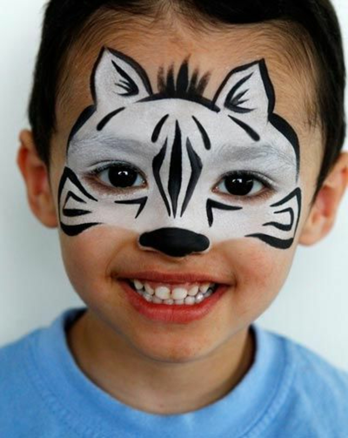 maquillage enfants, idées malignes pour le maquillage des enfants, tête de zèbre sur le visage garçon