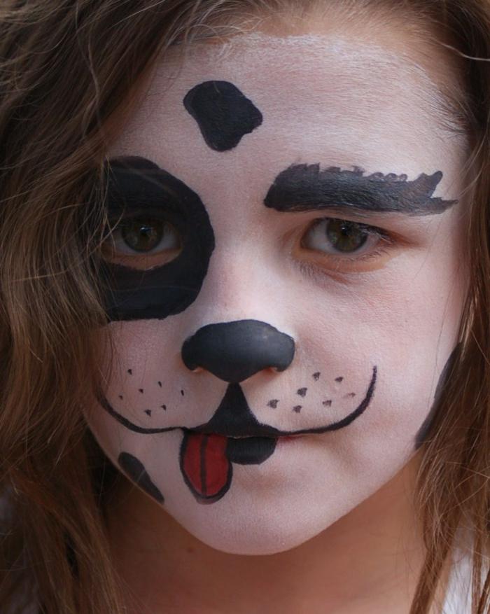 maquillage enfants, transformer un visage d'enfant en tête de chien, idée déguisement pour halloween