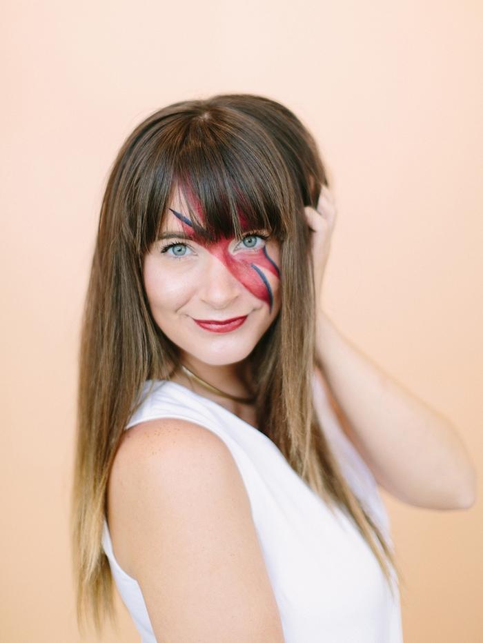 un maquillage facile halloween pour un déguisement de dernière minute, comment dessinez l'éclair emblématique de david bowie