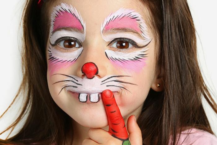 maquillage pour enfant, petite fille maquillée comme un lapin, maquillage original