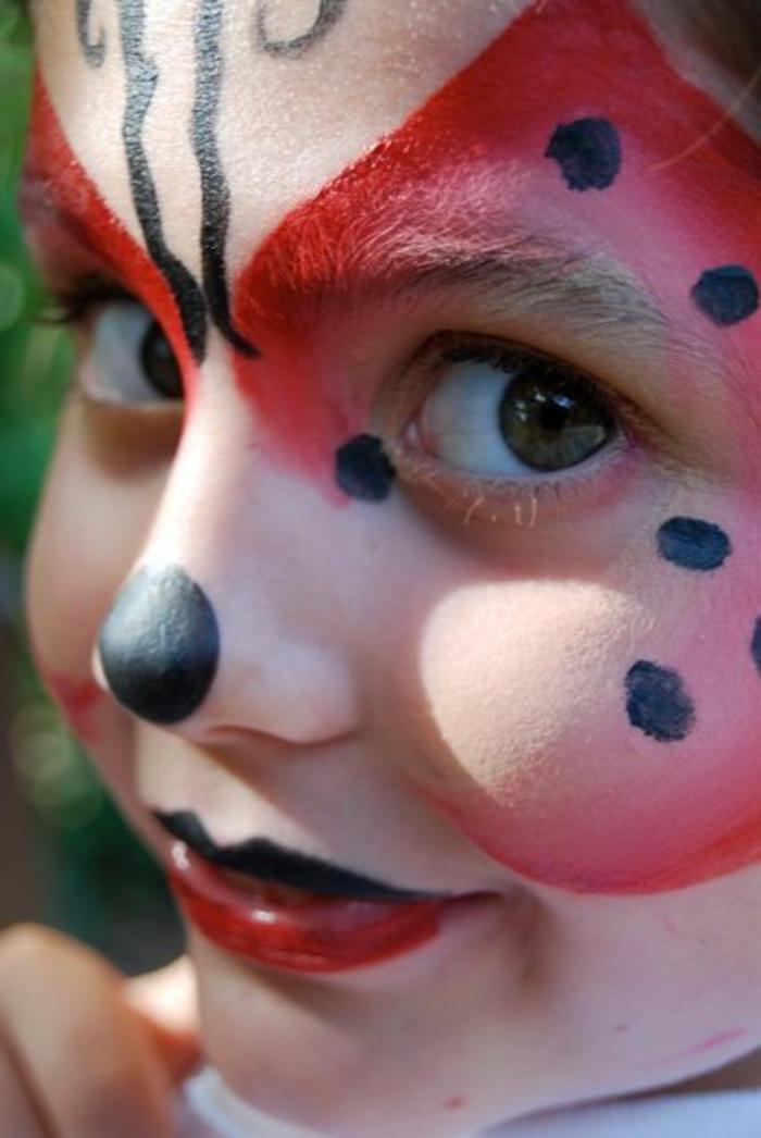 maquillage pour enfants, peinture sur le visage originale, maquillage fille coccinelle