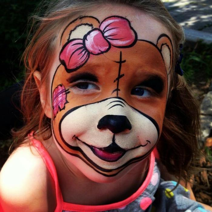 maquillage pour petite fille créatif, héros sympathique ourson avec ruban rose