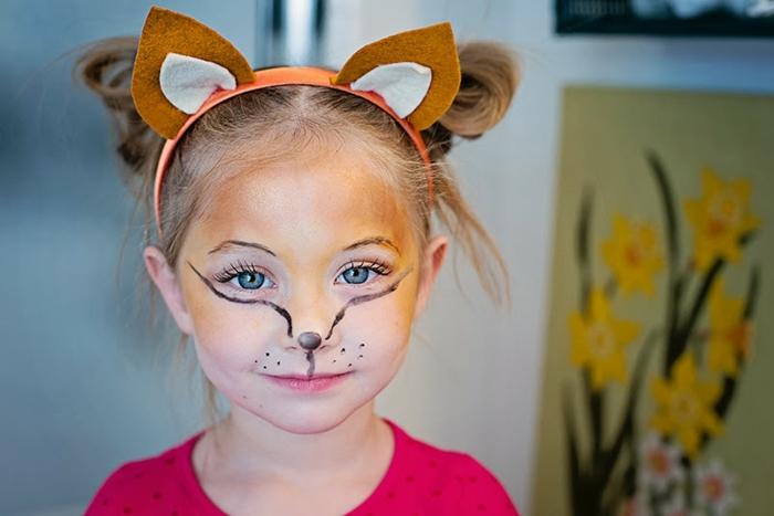 maquillage pour petite fille, peinture visage tête de renard, idée maquillage pour enfant