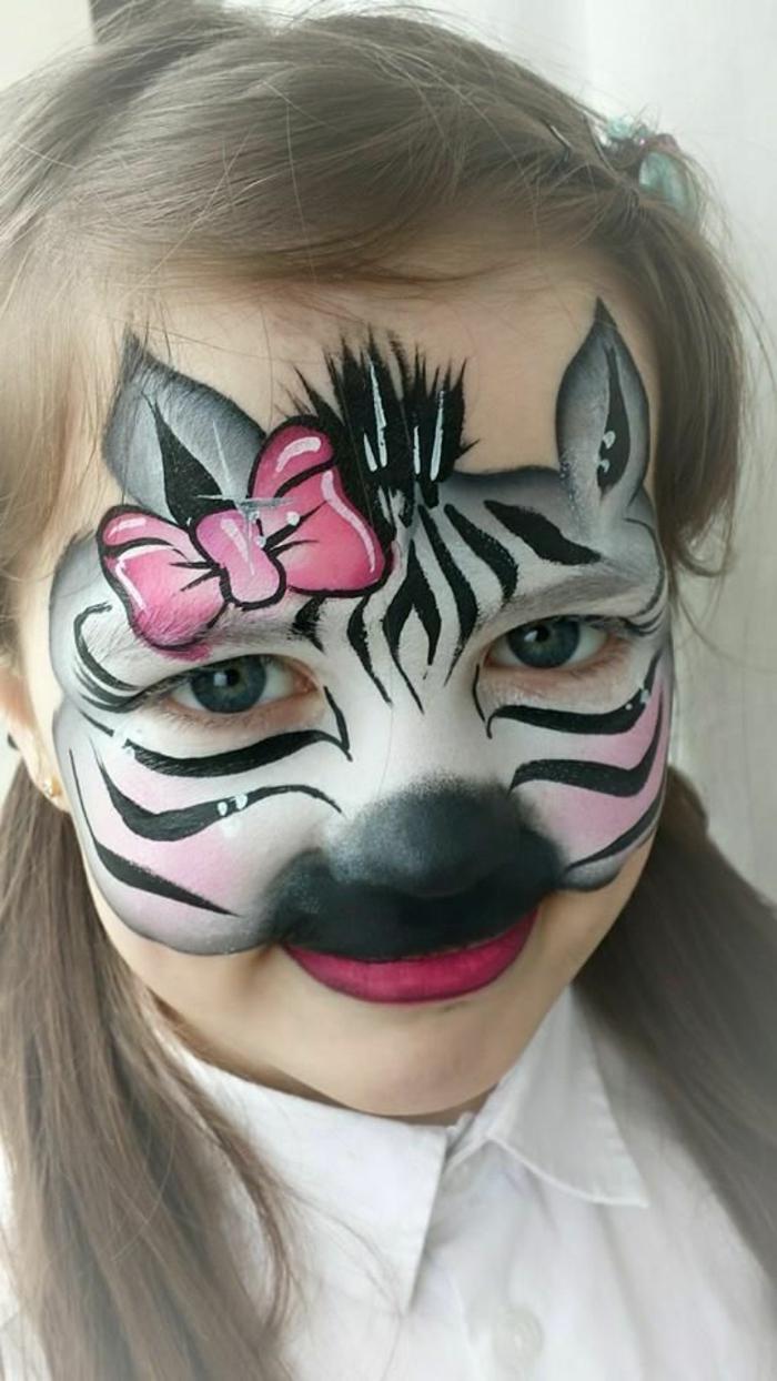 maquillage pour petite fille, tête zèbre, ruban rose, nez de clown noir