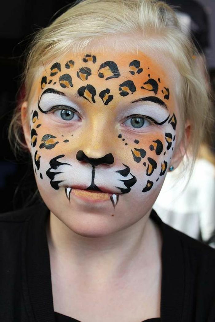 maquillage pour petite fille, déguisement halloween original, adolescente maquillé comme léopard
