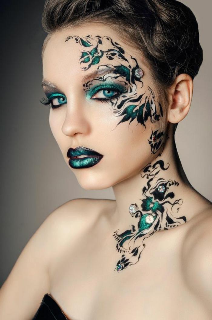 maquillage yeux verts avec fard a paupières en vert et gris et crayon khol noir maquillage de la bouche en vert et nuances du noir maquillage pour occasion spéciale