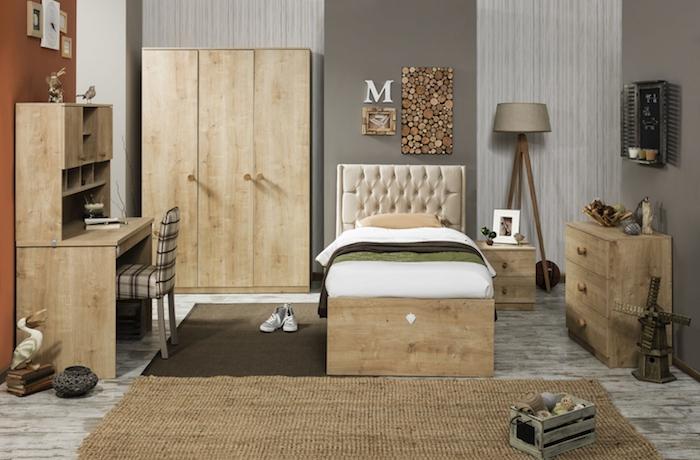 deco interieur, intérieur en couleurs naturelles et neutres, meubles en bois clair, revêtement de sol en bois