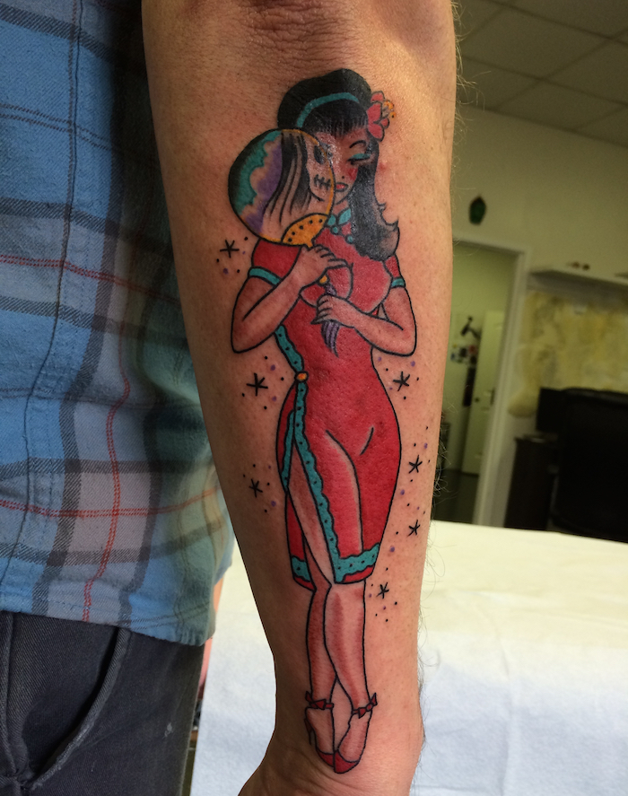 1001 id es tattoo pin up le charme l 39 ancienne en 43 for Sailor jerry pin up tattoos