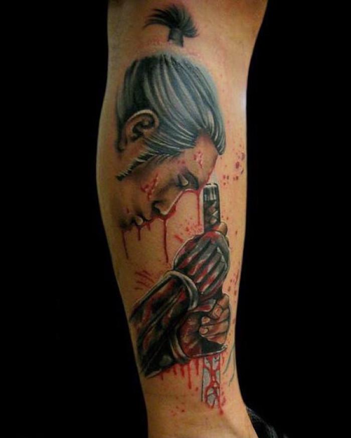 tatouage guerrier harakiri samourai et katana