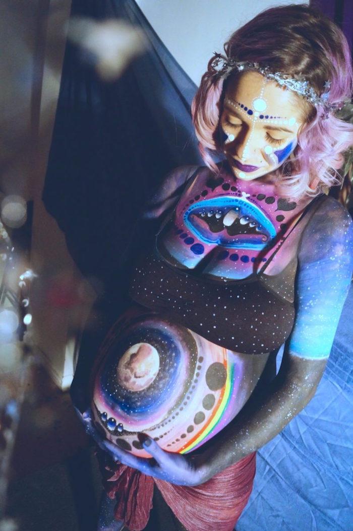 body painting sur femme enceinte dessin sur corps femme