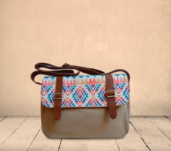 pochette de soirée, sac satchel aux motifs aztèques en couleurs pastels