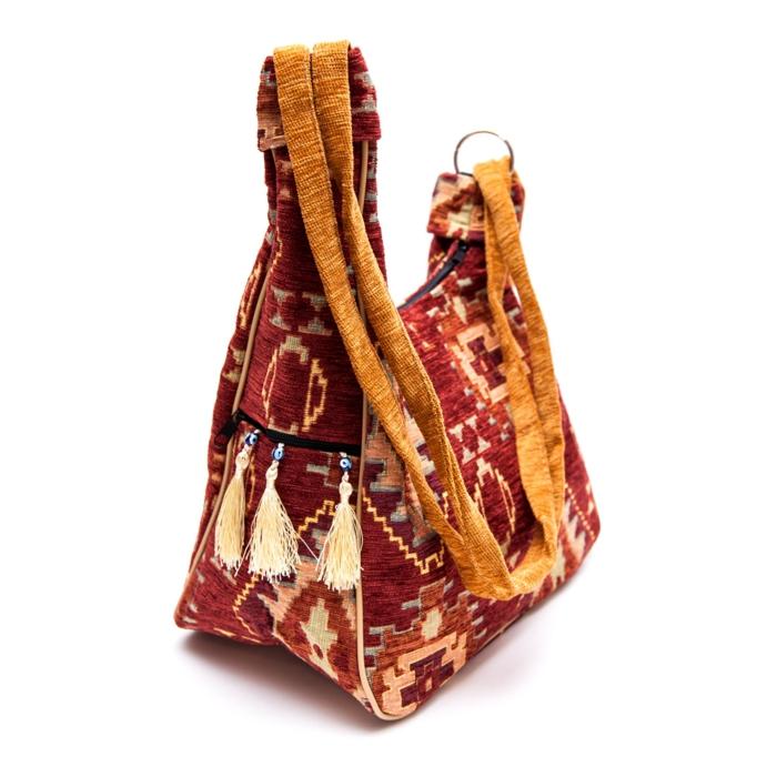 pochette rouge, sac couleur ocre, figures kilim, sac ethnique chic