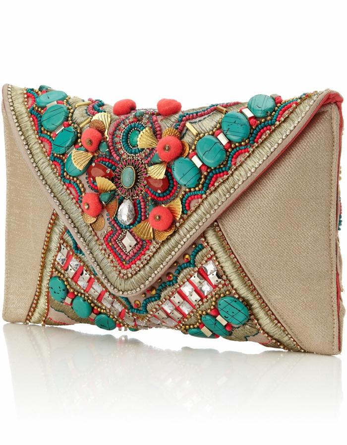 pochette soirée, pierres incrstées, sac en toile de jute avec décoration de pierres