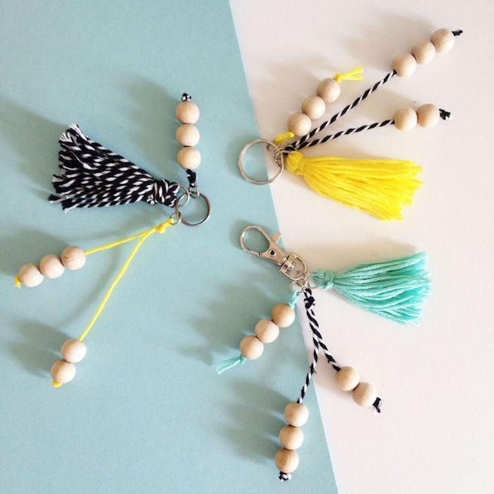 porte clé ruban frange en laine perles et ficelles diy