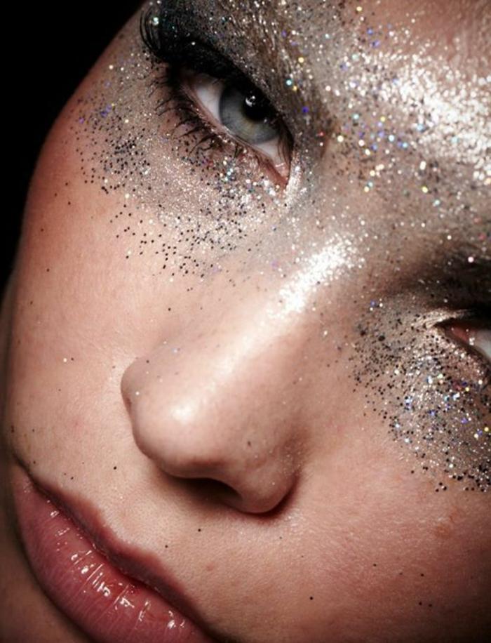 reine des neige, paillettes argentéesautour des yeux, un maquillage hivernal festif