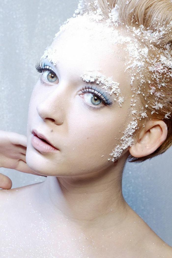 reine des neiges, un maquillage original avec neige artificielle sur le visage