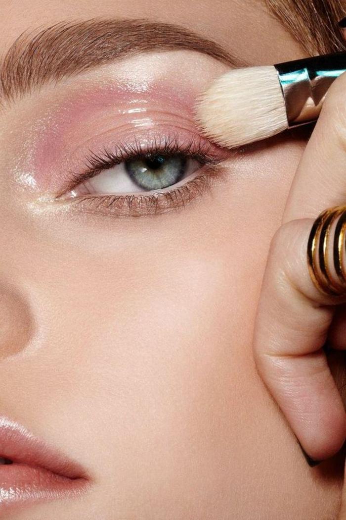 reines des neiges, maquillage nude avec yeux mauves et fond de teint lumineux