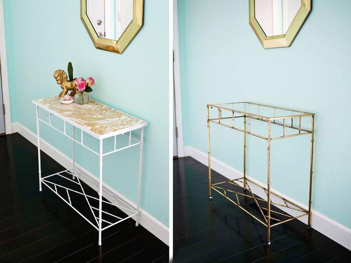 un meuble relooké avant après, encore une idée originale pour donner un effet de marbre à une table, table transformée en console d'entrée d'aspect moderne et chic