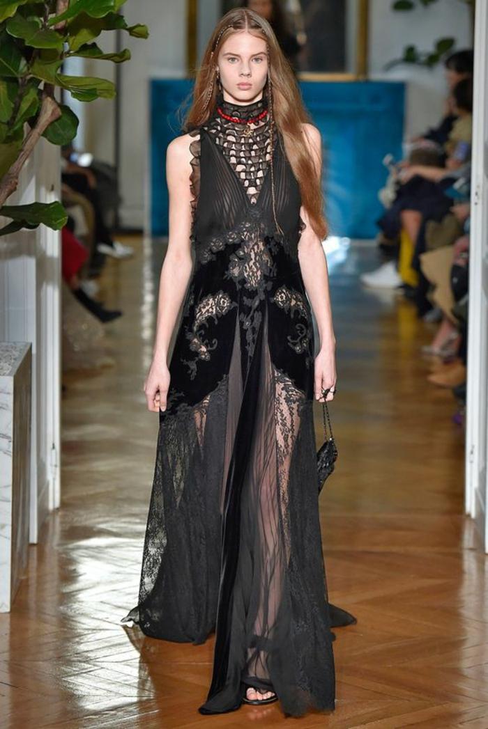 robe de fete Valentino automne hiver 2017-2018 création de Valentino