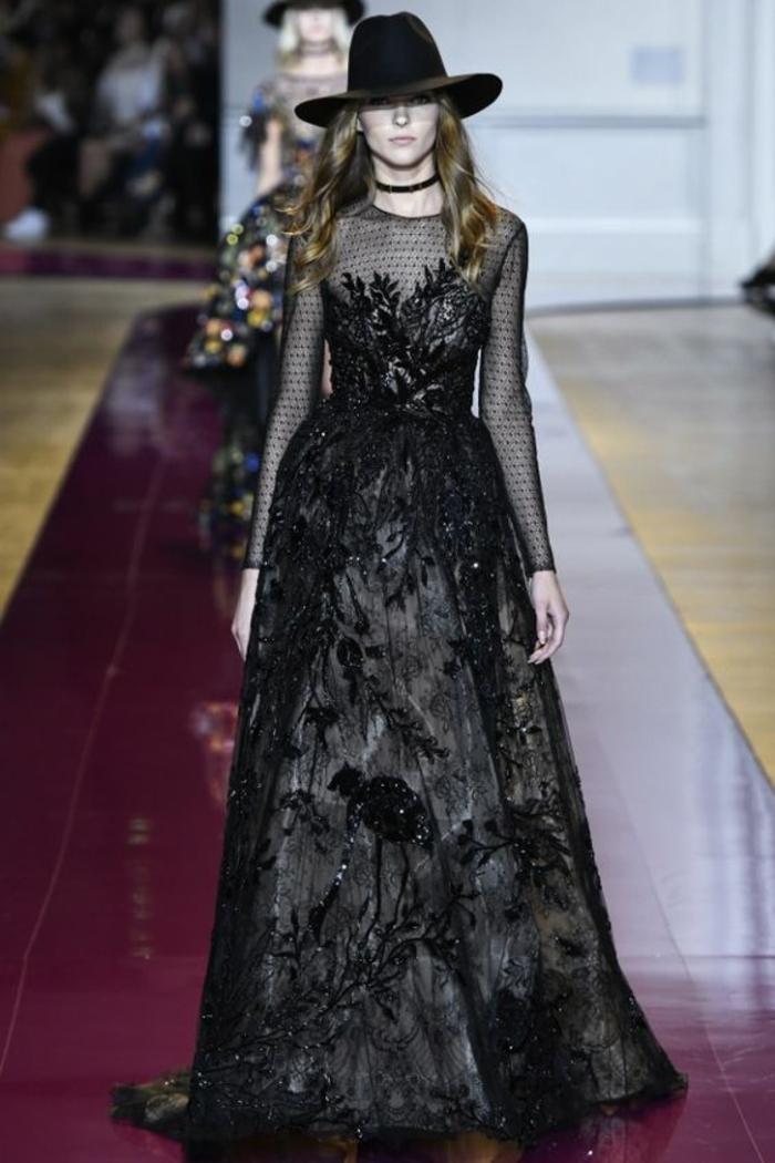 robe évasée robe longue de soirée Zuhair Murad aux manches longues richement orné