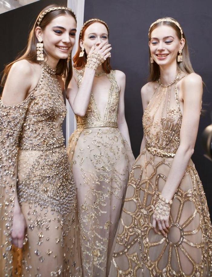 robe soirée en beige Elie Saab avec des motifs fleurs et des cristaux scintillants