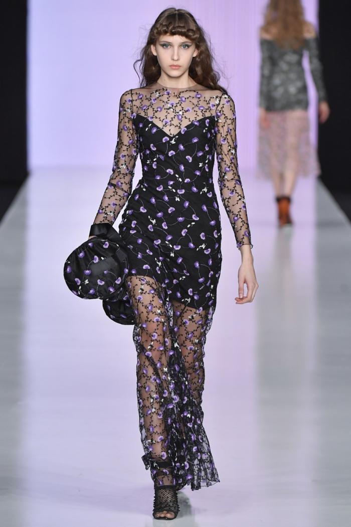 robe fluide robe de soirée longue Yasia Minochkina mode russe sensualité avec des fleurs délicates roses