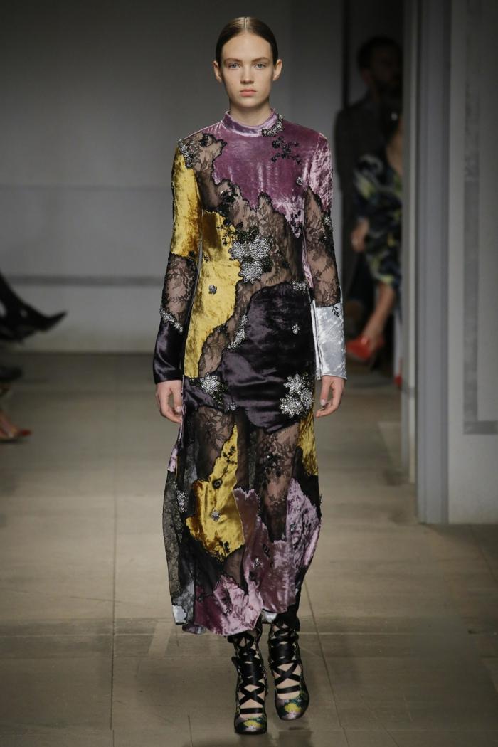 robe longue de soirée Erdem aux effets de patchwork en couleurs chaudes et hypnotisantes