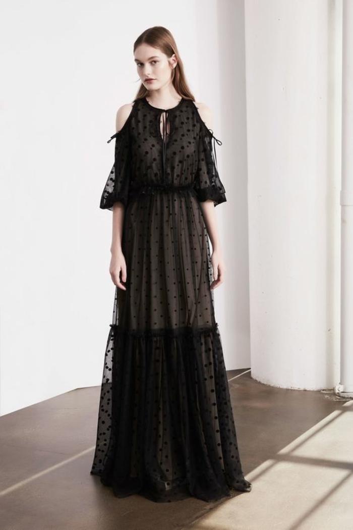 robe soirée longue manches évasées épaules élégamment dénudées taffetas style sage classique