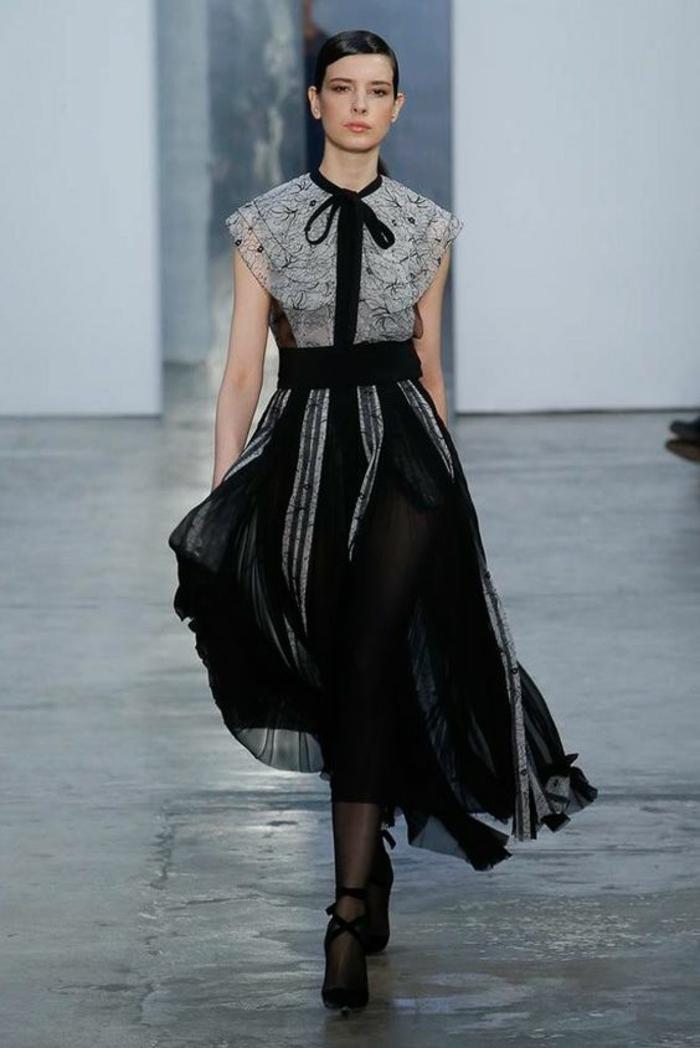robe soirée longue robe de fete Carolina Herrera avec buste en dentelle grise avec noeud en velours devant
