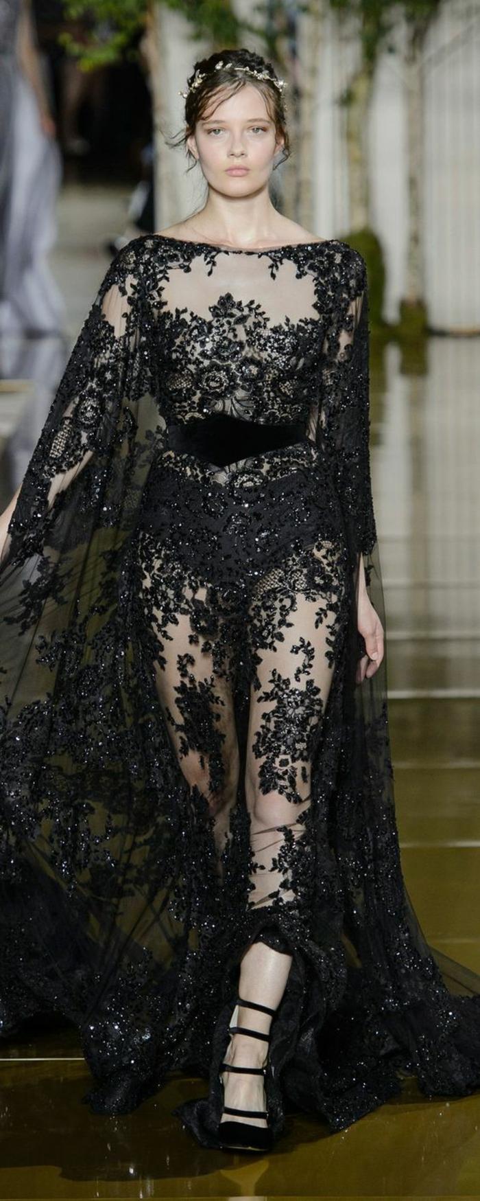 robe noire dentelle robe ceremonie femme Zuhair Murad grand style au décolleté de type bateau