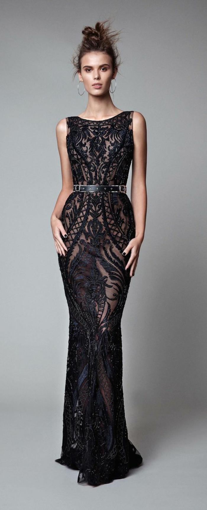 robe ceremonie femme sans manches robe moulante et taille sublimée par une fine ceinture noire