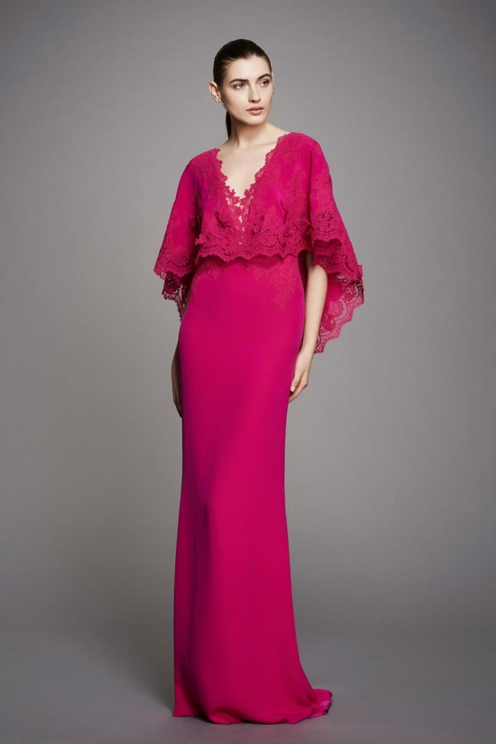 robe longue de soirée en fuchsia avec effet boléro sur le top et décolleté en V en dentelle