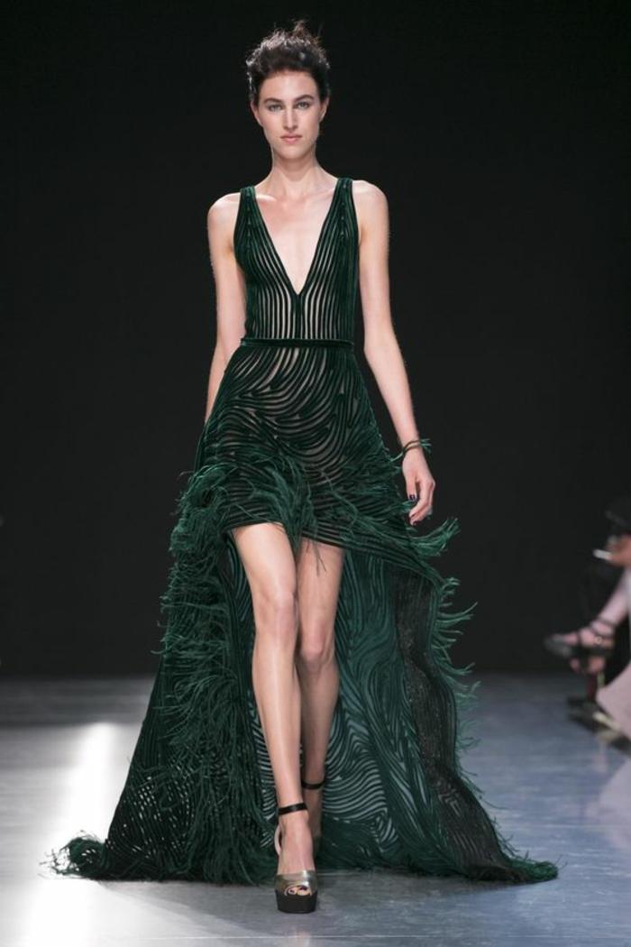 robe de cérémonie femme en vert foncé avec partie devant courte et partie derrière longue