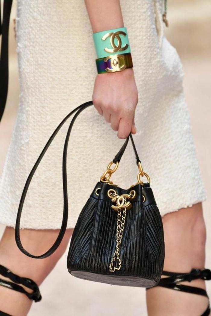 sac à dos femme cuir noir petite taille en forme de sac pour une allure très élégante
