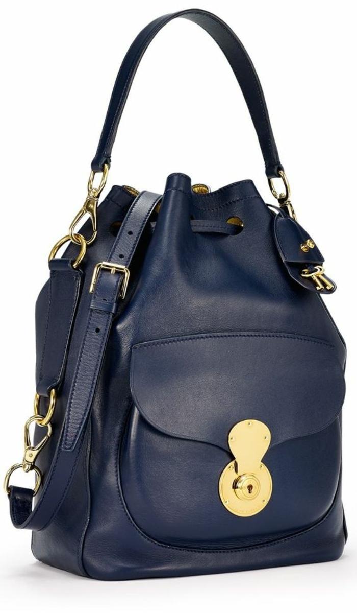 sac à dos femme cuir avec des parties en métal doré et fermeture classe hyper élégante