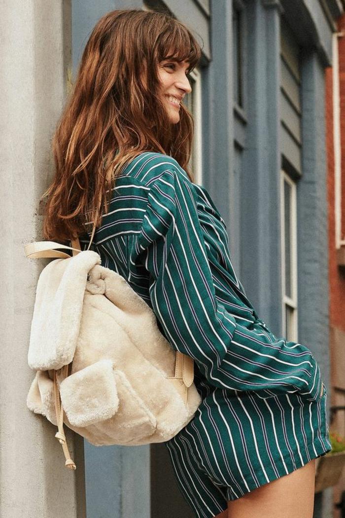 sac à dos femme tendance en peluche blanche style teen douce et glam
