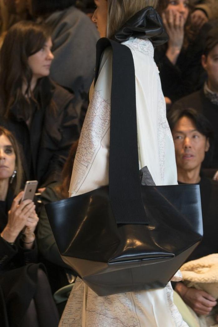 sac à dos femme vintage grande taille tout en noir fourre tout look original