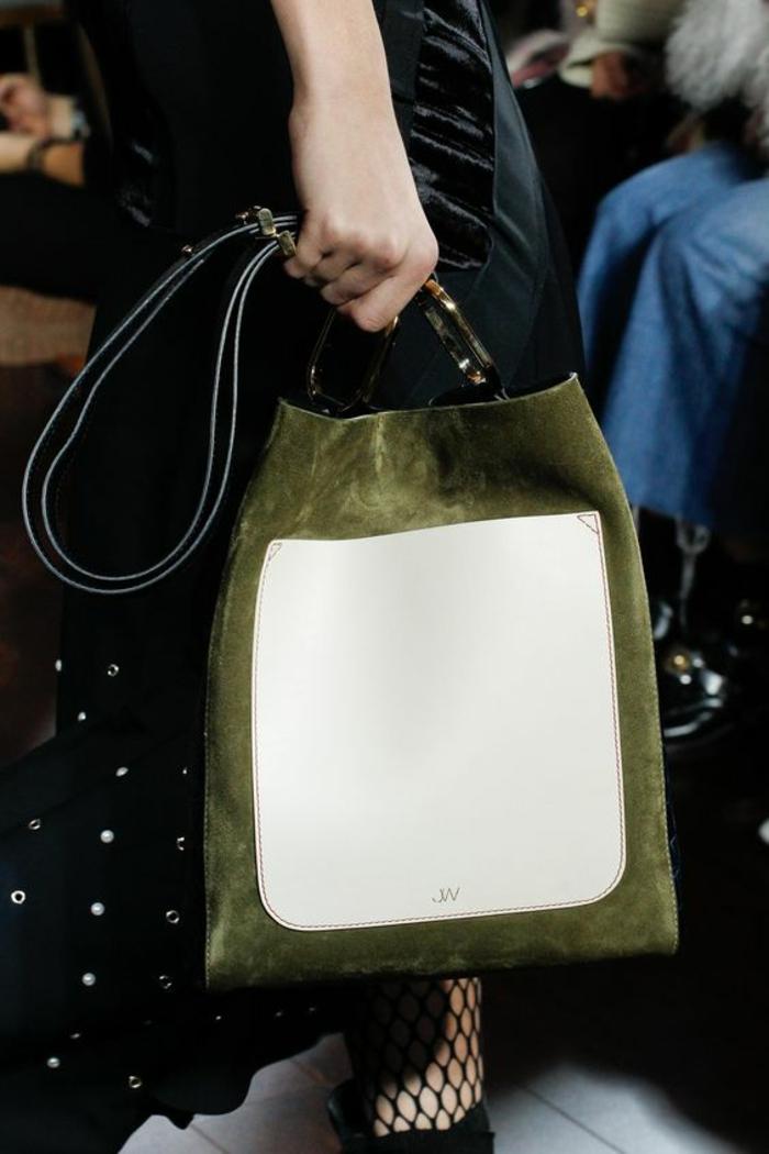 sac à dos femme vintage en vert et blanc à porter sur l'épaule look élégant