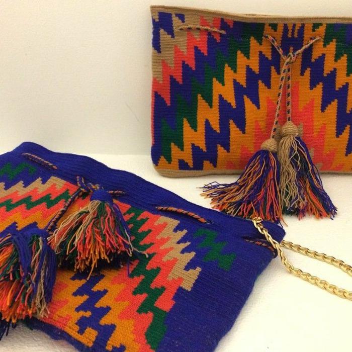 sac a main besace, sac bleu avec motifs aztèques de la gamme orange