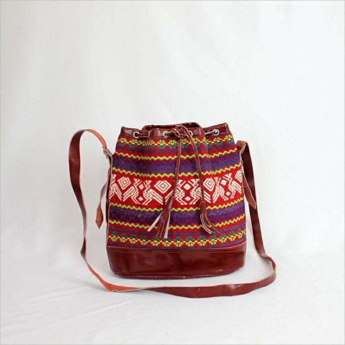 sac a main besace, imprimés folkloriques, sac à bandoulière, petit sac besace