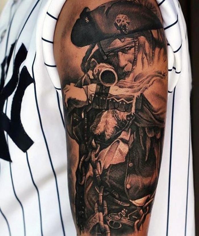 tatouage pirate des caraibes pirate tattoo sur le bras