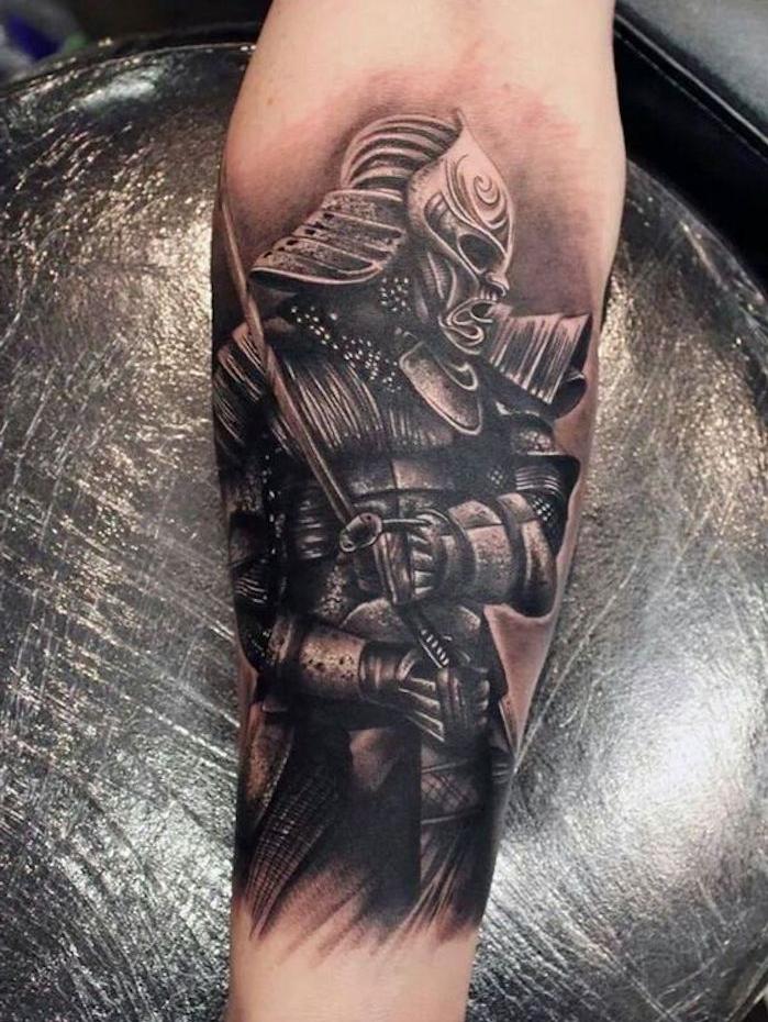 tatoo japonais guerrier armure samourai japon noir et blanc