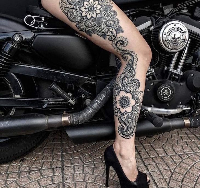 tatouage femme jambe mandala cuisse et tibia