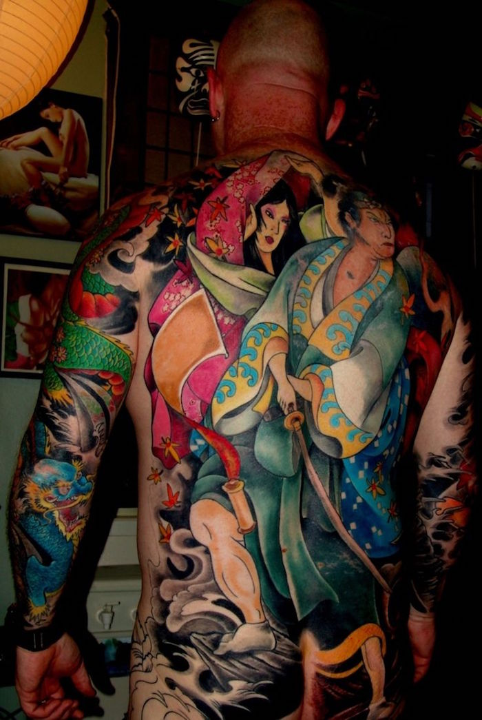 tatouage samourai geish dans le dos tattoo yakuza irezumi