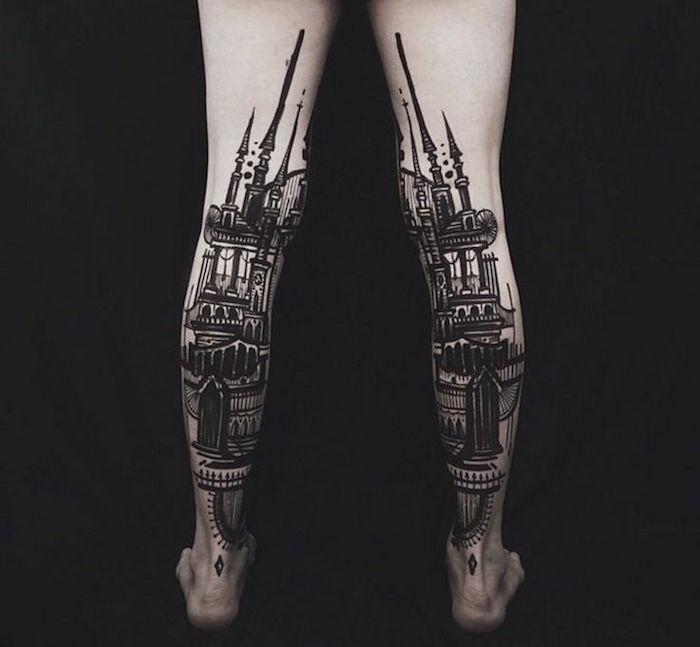 tatouage mollet noir et blanc idée tattoo monument