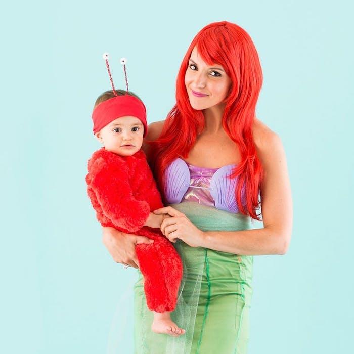 deguisement adulte, robe verte avec top violet, perruque cheveux rouges, idée de costume maman fils
