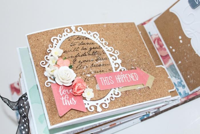faire un album photo, page scrapbooking d'album photo mariage, décoration scrapbooking avec fleurs en papier et dentelle