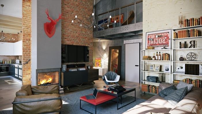 meuble industriel, salon loft aux murs briques et plancher en bois stratifié, étagère aux livres et statuettes décoratives